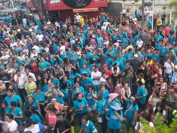 Milhares de fieis foram na marcha em Rio Preto (Foto: Juliano Abocater/TV TEM)