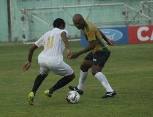 Geovane Maranhão vai jogar aberto, pelas pontas (Foto: André Reginatto/Agência Bankada)