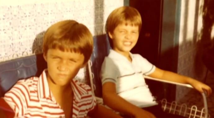 Victor & Leo aparecem lado a lado em foto de infância (Foto: Tv Globo)