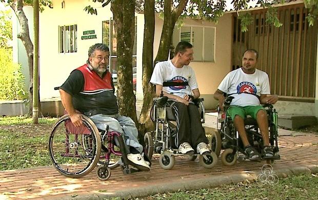 Primeira reportagem da série destaca cadeirantes que aprenderam a vencer as dificuldades (Foto: Jornal do Acre)