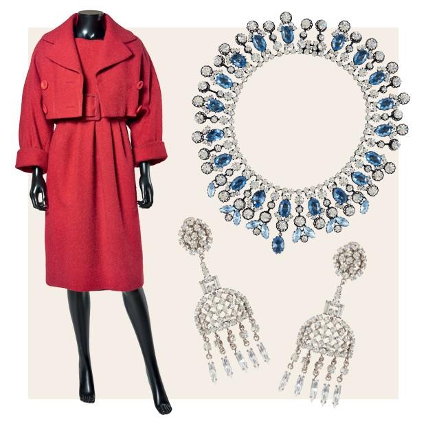 Jaqueta e vestido Djebel, criados por Saint Laurent para a Dior no inverno 1958/59. Bijoux da mesma maison, feitas pelo Atelier Henkel & Gross (Foto: Divulgação)