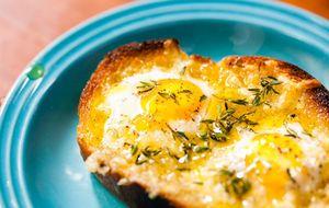 Bruschetta de ovo de codorna