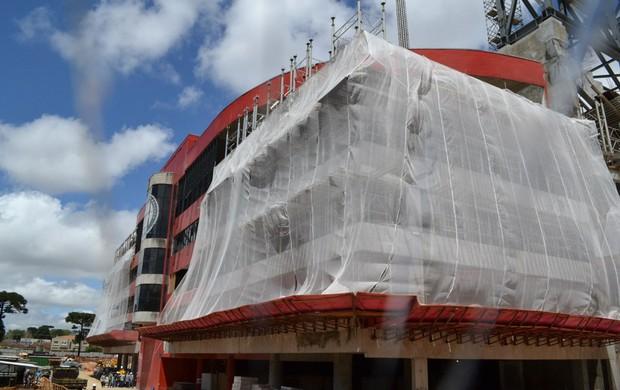 Setembro de 2013: obras na Arena da Baixada, do Atlético-PR (Foto: Site oficial do Atlético-PR/Divulgação)