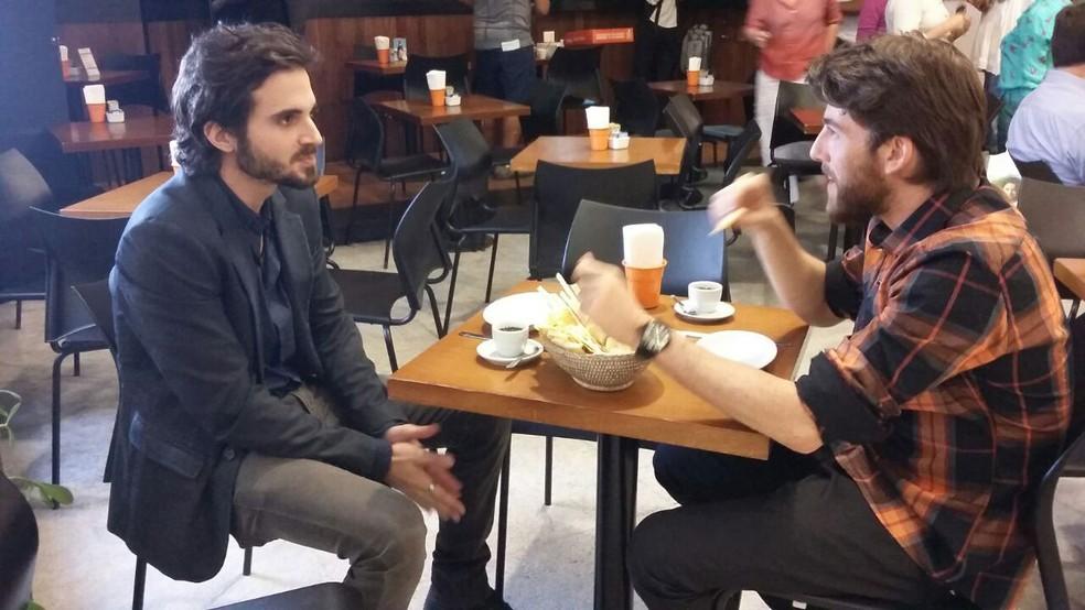 Fiuk e Pedro Nercessian gravam em shopping da Zona Sul do Rio (Foto: Natasha Agostini/Globo)