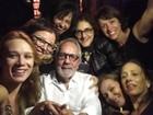 Mariana Ximenes comemora os 80 anos do ator Paulo José