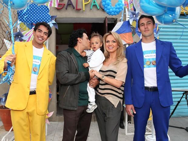 Eliana e o marido no aniversário de Arthur (Foto: Manuela Scarpa e Marcos Ribas / Foto Rio News)