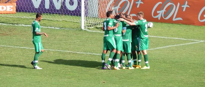 Comemoração da chapecoense contra o Cruzeiro (Foto: Laion Espindúla)