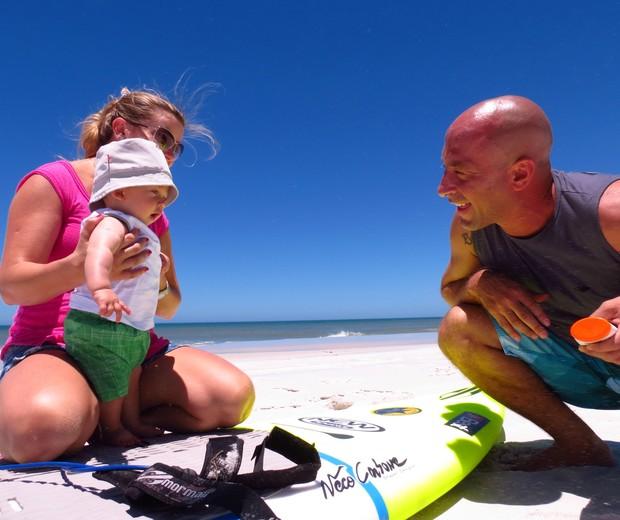 Sylvio, Bia e Ben compartilhando bons momentos na areia (Foto: Acervo Pessoal)