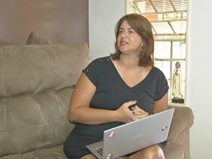Professora Karina Macri: sem rede social durante a Quaresma (Foto: Reprodução/TV TEM)