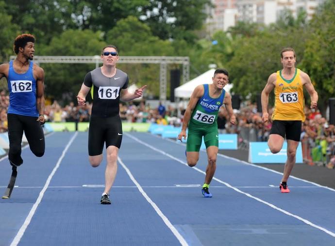Irlandês Jason Smyth brilhou no atletismo paralímpico (Foto: André Durão)