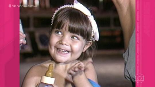 Luiza Possi já roubava a cena nos bastidores de show da mãe aos três aninhos