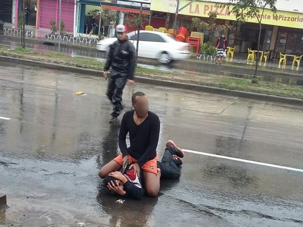 Policial persegue e fere suspeito de assalto em Porto Alegre  (Foto: Leandro Silva Kaipper/Arquivo pessoal)