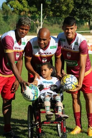 River-PI ganha visita de crianças no CT Afrânio Nunes (Foto: Joana D'arc Cardoso)