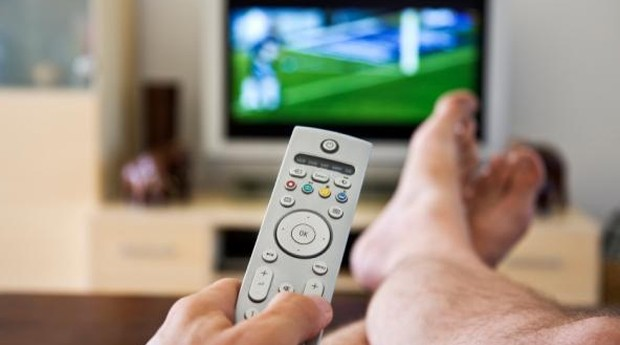 Assistir televisão não é a melhor escolha, diz especialista (Foto: Photopin)
