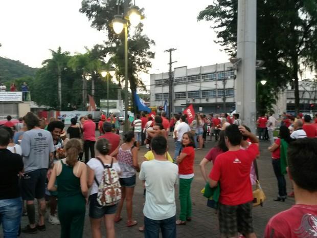 Manifestação em Joinville (Foto: Júlio Ettore/RBS TV)