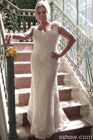 Fina, Pilar se casa com um visual clean (Foto: Pedro Curi/TV Globo)