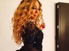 Mariah Carey posa com look ousado e empina bumbum