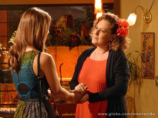 Paloma pede perdão à Márcia (Foto: Amor à Vida / TV Globo)