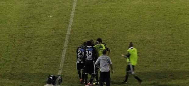 Comercial celebra gol diante do Paulista (Foto: Gabriel Lopes / Comercial FC)