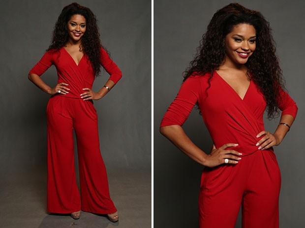 Inspirador! Juliana Alves aparece estonteante em macacão vermelho. Para fechar o look, batom no tom do modelito. (Foto: Raphael Dias/Gshow)