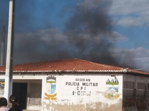 Base desativada da PM foi incendiada (Foto: Divulgação/Polícia Militar do RN)