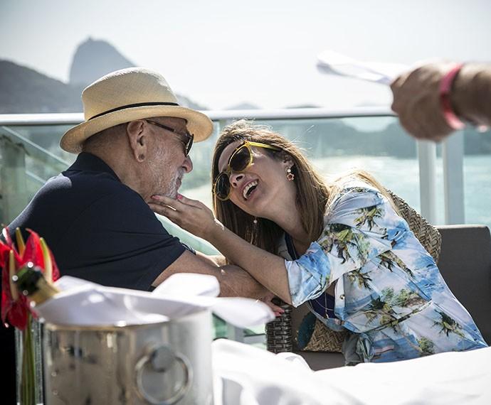 Lima e Tatá ensaiam cena e se divertem na pele de Dom Peppino e Danda (Foto: Raphael Dias/Gshow)