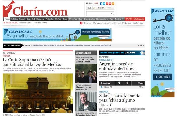 Página do site do jornal 'Clarín' destaca a decisão da Suprema Corte, nesta terça-feira (29) (Foto: Reprodução/Clarín.com)