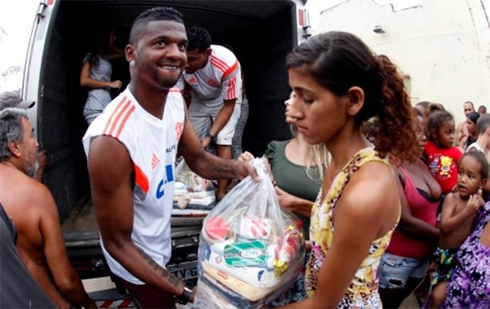 Felipe Projeto Social Flamengo (Foto: Reprodução / Site Oficial Flamengo)