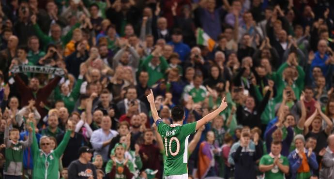 Robbie Keane saiu ovacionado pela torcida da Irlanda no Aviva Stadium, em Dublin (Foto: Reuters )