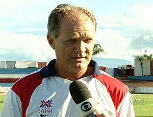 Zé Roberto, técnico do Itumbiara (Foto: Reprodução/TV Anhanguera)