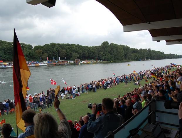 O público segue prestigiando o Mundial de Canoagem Velocidade e Paracanoagem na Alemanha (Foto: Divulgação)