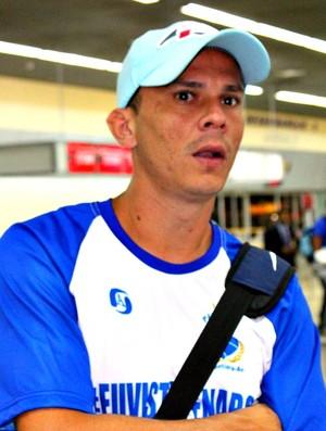 Fininho será uma boa opção ao treinador do Penarol contra o Santa Cruz=12-03-2012 (Foto: Anderson Silva/Globoesporte.com)
