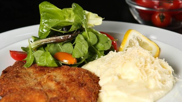 'Receitas da Carolina' - Carolina Ferraz - Episdio 03 - Salada de rcula com tomates-cereja (Foto: Tricia Vieira)