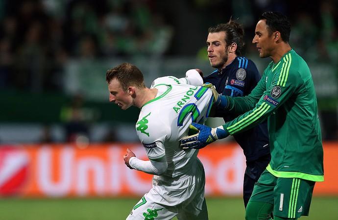 Keylor Navas, Gareth Bale e Arnold Wolfsburg x Real Madrid  (Foto: Getty Images)