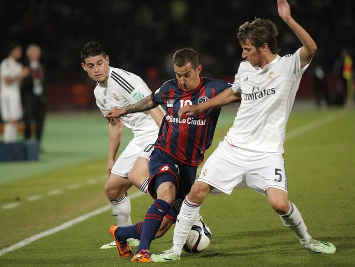 Romagnoli, Fabio Coentrao e James Rodriguez, Real Madrid x São Lorenzo  (Foto: AP)
