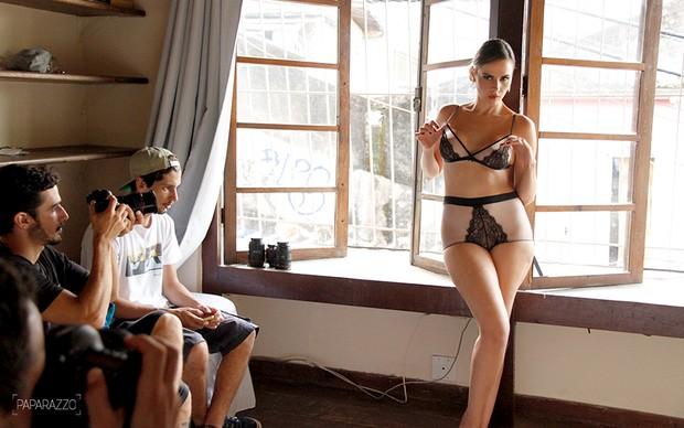 Making of Ana Paula posando para o Paparazzo (Foto: Mariana Gibara / Paparazzo)