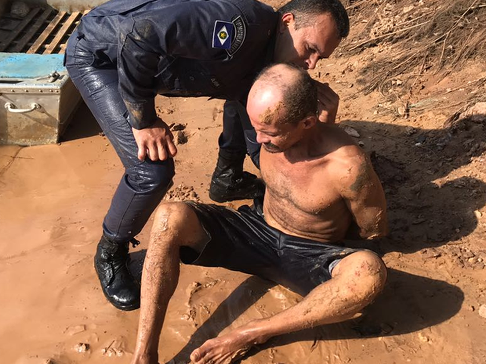 Laércio de Oliveira foi preso e levado para uma delegacia da Polícia Civil (Foto: Polícia Militar/Divulgação)