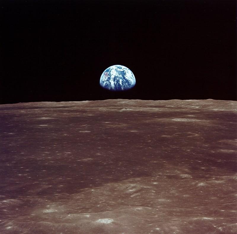 """""""Nascer da Terra"""" visto da lua (Foto: NASA)"""