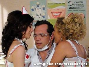 PC fantasia com ex e atual (Foto: Tapas e Beijos/TV Globo)
