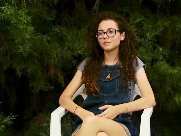 Estudante de Passos venceu concurso do Senado escrevendo sobre participação política (Foto: Reprodução EPTV)