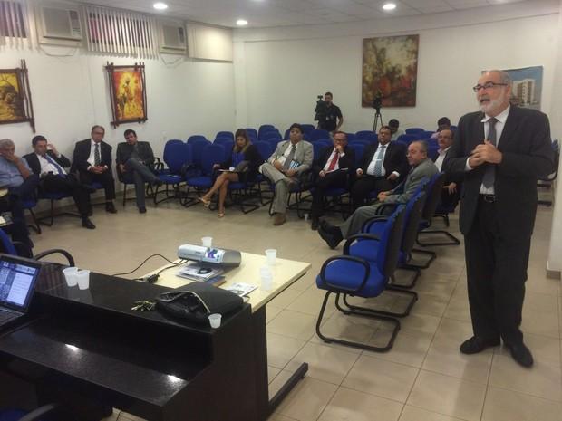 Reunião da Apac foi realizada nesta terça-feira em Caruaru (Foto: Franklin Portugal/TV Asa Branca)