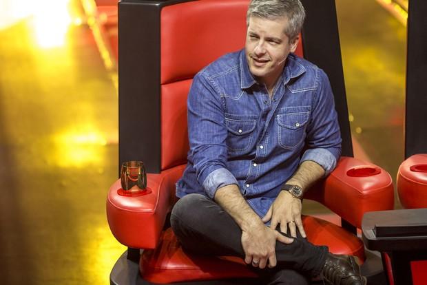 Victor, da dupla com Léo, no The Voice Kids (Foto: Crédito: Globo/Divulgação)