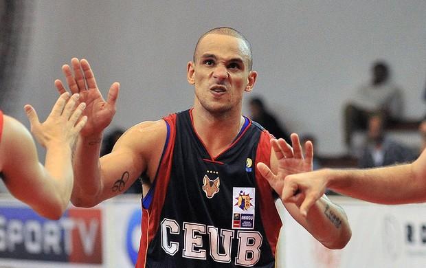alex basquete Paulistano x Brasília (Foto: João Pires / LNB)