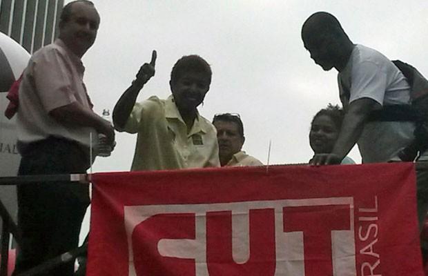 A deputada estadual Leci Brandão (PCdoB) defendeu a Petrobras (Foto: Gabriela Gonçalves/G1)