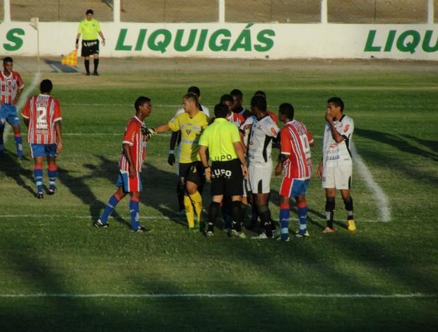 Arbitragem de Valdick Leão foi bastante criticada pelo Potyguar, no jogo contra o Corintians-RN (Foto: Josivan Varela/Divulgação)