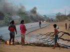Protesto para denunciar falta de água fecha BA-262, em Vitória da Conquista