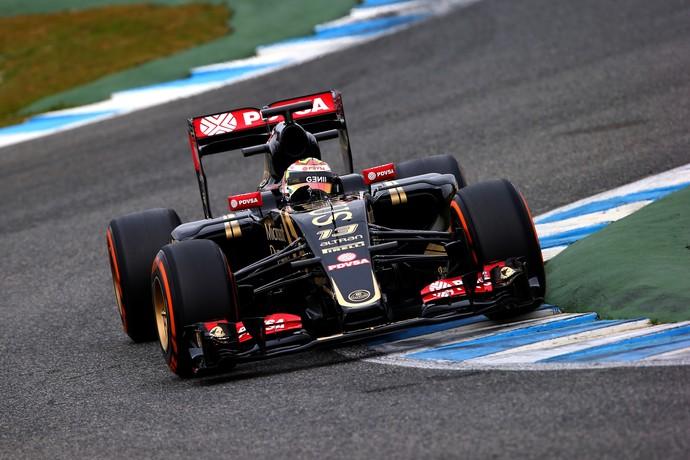 Lotus de Pastor Maldonado no segundo dia de testes de pré-temporada da F-1 em Jerez (Foto: Getty Images)
