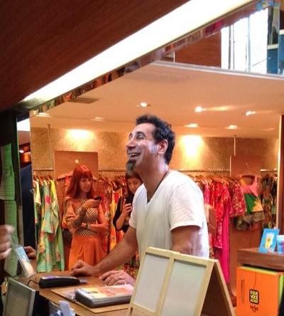 Vocalista do System Of a Down: compras em Ipanema