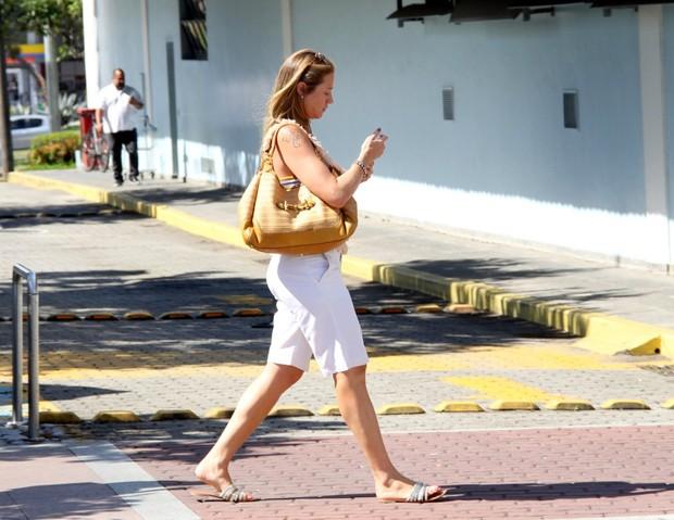 Luana Piovani no Shopping da Barra da Tijuca no Rio de janeiro (Foto: J HUMBERTO / AgNEWS)