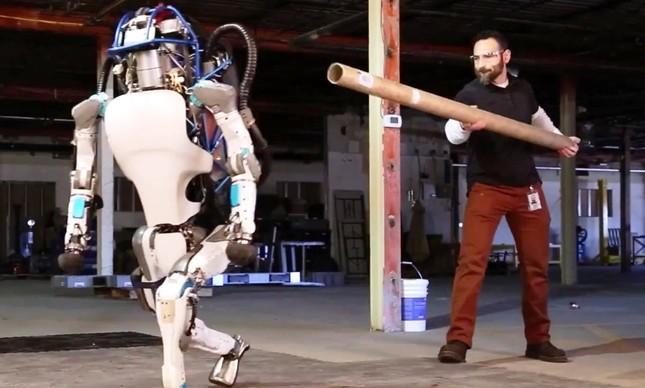 Robô Atlas B